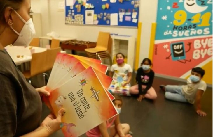 El llibre 'Un conte, una il·lusió' és un recull de cinc contes escrits per infants del Centre Obert del Casal dels Infants del Raval de Barcelona. Font: Casal dels Infants El llibre 'Un conte, una il·lusió' és un recull de cinc contes escrits per infants del Centre Obert del Casal dels Infants del Raval de Barcelona. Font: Casal dels Infants